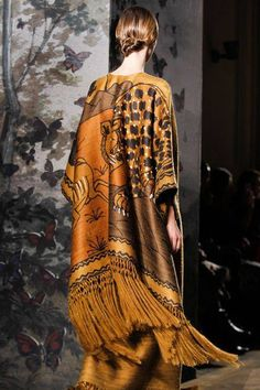 Zoom Details @ Valentino, Spring 2014 Couture Collection.