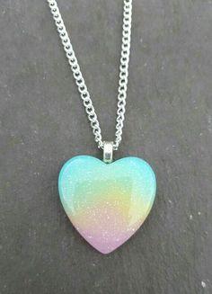 Collar de corazón Kawaii Jewelry, Kawaii Accessories, Cute Jewelry, Jewelry Accessories, Girly Things, Cool Things To Buy, Unicorn Room Decor, Unicorn Fashion, Unicorn Jewelry