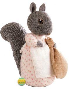 ALAN-DART-GOODY-TIPTOES-BEATRIX-POTTER-TOY-KNITTING-PATTERN Knitting Patterns Uk, Knitting Charts, Baby Knitting, Knitted Dolls, Crochet Toys, Beatrix Potter Nursery, Alan Dart, Knitted Teddy Bear, Marionette