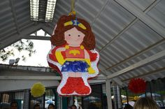 Piñata Mini Mujer Maravilla Baby Wonder Woman, Christmas Ornaments, Holiday Decor, Mini, Women, Things To Do, Wonder Woman, You Are Awesome, Fiestas