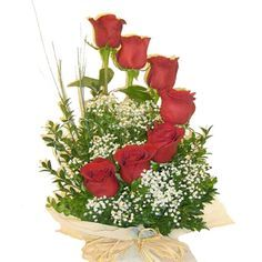 Origin, Belief and Care of Red Roses – Ideas For Great Gardens Altar Flowers, Church Flowers, Funeral Flowers, Pretty Flowers, Fresh Flowers, Rosen Arrangements, Church Flower Arrangements, Floral Arrangements, Ikebana