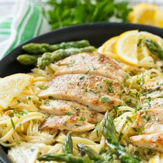 Lemon Asparagus Pasta with Grilled Chicken @keyingredient #cheese #chicken #delicious
