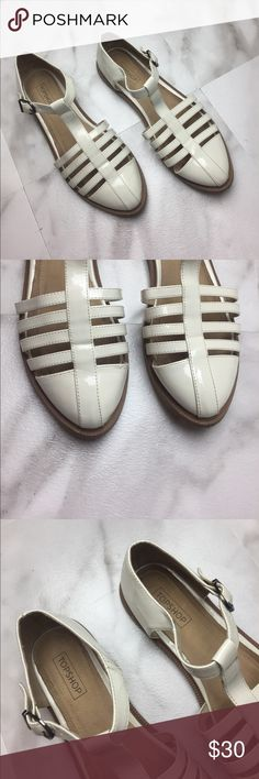 Top shop Women's Flats Sandals White Buckle 40✨ Euro size 40. Top shop. Overall Great condition. Please see photos for details. Off white color. So cute!!❤️ Topshop Shoes