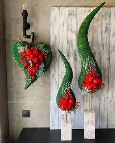 16 beautiful wooden decorations with which you can … – World of Flowers Christmas Topiary, Christmas Tree Candles, Christmas Wreaths, Christmas Decorations, Christmas Ornaments, Christmas Trends, Modern Christmas, Christmas And New Year, Christmas Diy