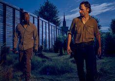 Morgan (Lennie James) and Rick Grimes (Andrew Lincoln) in Season 6 #TWD #TheWalkingDead