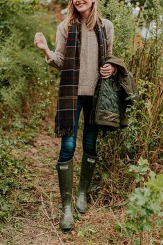 Kelly larkin and jess keys q&a + barbour casual style fashio Country Outfits, Preppy Outfits, Preppy Style, Girly Outfits, Fashion Outfits, Preppy Fall, Stylish Outfits, Look Fashion, Womens Fashion