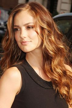♥️ Pinterest: DEBORAHPRAHA ♥️ Minka Kelly long hair with curls and blonde balayage