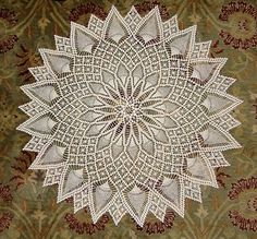 Ravelry: Project Gallery for Pineapple and Spider Web #7520 pattern by Alice Brooks...