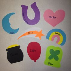 Ideas For Spring Door Decs House St Patricks Day Crafts For Kids, St Patrick's Day Crafts, Ra Door Tags, Cubby Tags, College Bulletin Boards, Dorm Door, Door Decks, Resident Assistant, St Patrick's Day Decorations