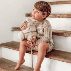 Knit Jumper for baby boys in two color pattern. This style is handmade of Van Beren Organic Cotton Yarn. We also offer a matching bonnet EDWIN to complete the look. Cotton Plant, Organic Cotton Yarn, Baby Jumper, Natural Clothing, Knitted Fabric, Color Patterns, Austria, Hand Knitting, Kids Fashion