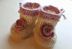 woof&stitch -käsillä tekevän blogi: Vauvan tossut  Linkki ohjeeseen blogissa Handicraft, Crochet Earrings, Jewelry, Craft, Jewlery, Bijoux, Craft Items, Schmuck, Jewerly