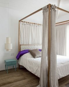 four poster bed Guest Bedrooms, Master Bedroom, Bedroom Decor, Bedroom Ideas, Beach Room, My Home Design, Couple Bedroom, Beach House Decor, Home Decor