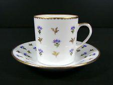 Tasse & sous-tasse porcelaine Nyon Suisse decor barbeaux or signé