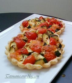 Tartelettes tomates cerises, courgettes et #kiri ! Ils vont tous fondre à l'apéro :) #kiri #recette #tarte #enfant #tomate #courgette #fromage #apero