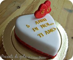 Heart shaped cake for a sweet anniversary on S.Valentine's Day ...