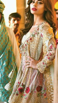 Pakistani Formal Dresses, Pakistani Wedding Outfits, Pakistani Dress Design, Indian Dresses, Indian Outfits, Lovely Dresses, Stylish Dresses, Frock Fashion, Fashion Dresses