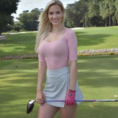 Paige Spiranac - Repices X Girls Golf, Ladies Golf, Sexy Golf, Looks Pinterest, Sporty Girls, Jolie Photo, Golf Outfit, Female Athletes, Mode Outfits