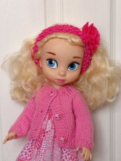 Disney Animator Dolls Clothes - Hand Knitted Sweater, Cardigan by SherbetLemoni on Etsy Disney Animator Doll, Disney Dolls, Hand Knitted Sweaters, Cute Sweaters, Disney Animators Collection Dolls, Cinderella Doll, New Dolls, Knitted Dolls, Hand Knitting