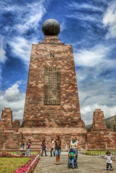 Monumento a la Mitad del Mundo, Quito Ecuador