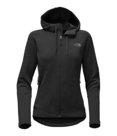 When the warmth of the campfire's not cutting it, break out this warm, midweight fleece hoodie that's crafted with a drop-tail hem for added coverage.