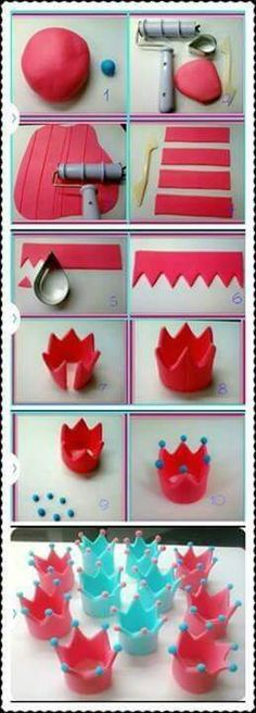 New cupcakes fondant decoration desserts Ideas Fondant Cupcakes, Fondant Crown, Fondant Icing, Fondant Toppers, Cupcake Cakes, Fondant Tips, Frosting Tips, Rose Cupcake, Pink Cupcakes