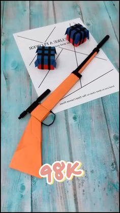 Cool Paper Crafts, Diy Crafts To Do, Paper Crafts Origami, Diy Paper, Origami Weapons, Hand Crafts For Kids, Straw Crafts, Instruções Origami, Paper Crafts Magazine