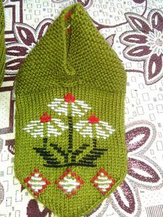 Lale deseni Baby Knitting Patterns, Winter Hats, Beanie, Socks, Tricot, Tulips, Sock, Beanies, Stockings