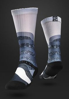 Strideline Sock Optics WHITE  These white and blue Strideline socks will make your feet feel good while you look good at the same time! These new Strideline Optics series socks have HYPER-IN