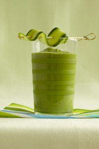 Green Smoothie - Spinach, Cucumber, Avocado, Kiwi, Low-fat vanilla frozen yoghurt, fresh Orange juice, Mint leaves