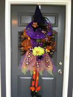 Love this Halloween wreath!