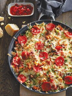 16 Ground Beef Recipes We Cook On Repeat Tuna Casserole Recipes, Baked Pasta Recipes, Beef Recipes, Cooking Recipes, Pizza Recipes, Yummy Recipes, One Pan Meals, Quick Meals, Easy Dinners