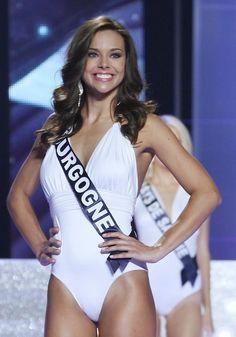 Marine Lorphelin élue Miss France 2013 est sublime en maillot Miss France, Belle France, Miss Monde, French Beauty, French Actress, Swimsuits, Swimwear, Beautiful Women, One Piece