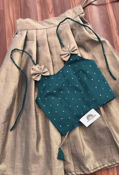 Indian Dresses For Kids, Stylish Dresses For Girls, Dresses Kids Girl, Kids Outfits, Girls Frock Design, Baby Dress Design, Baby Frocks Designs, Kids Frocks Design, Kids Dress Collection