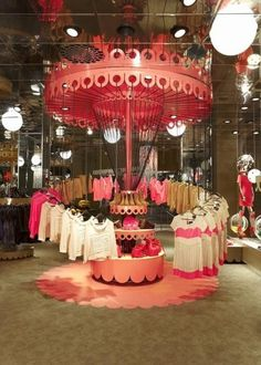 retail store interior - visual merchandising - Monki store - Sweden by Electric Dreams Visual Merchandising Displays, Visual Display, Display Design, Design Design, Fashion Merchandising, Event Design, Monki Store, Propaganda Visual, Event Corporate