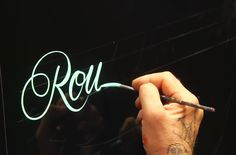 For the chalk board stuff: Master pinstriper Glen Weisgerber, a contributor to Airbrush Action Magazine and part-time lettering instructor, teaches you how to create roundhead letters. This is a beautiful technique for creating unique displays. Calligraphy Letters, Typography Letters, Typography Design, Alphabet Fonts, Handwritten Letters, Letter A Crafts, Letter Art, Types Of Lettering, Brush Lettering