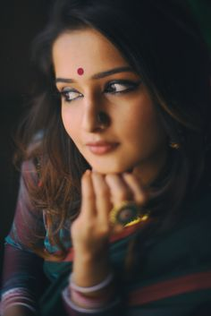 Portrait Photography Poses, Photography Poses Women, Girl Photography Poses, Makeup Photography, Portraits, Beautiful Girl Photo, Beautiful Girl Indian, Beautiful Indian Actress, Beautiful Eyes