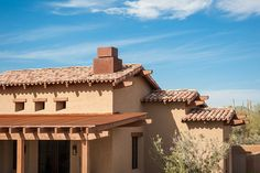 traditional exterior by Tate Studio Architects Spanish Style Homes, Spanish Colonial, Metal Roof Houses, Santa Fe Style, Garage Makeover, Desert Homes, Traditional Exterior, Mediterranean Homes, Tuscan Style