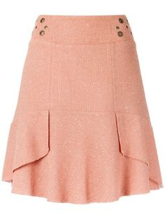 Compre Le Lis Blanc Saia com textura. Cute Skirts, Short Skirts, Blouse And Skirt, Dress Skirt, African Fashion Dresses, Skirt Outfits, Dress Patterns, Designer Dresses, Womens Fashion