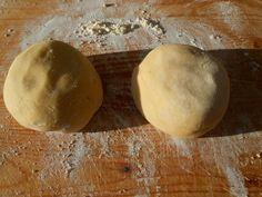 Jablkový koláč bezlepkový (fotorecept) - recept | Varecha.sk Gluten Free, Bread, Cheese, Vegan, Cooking, Food, Basket, Glutenfree, Kitchen