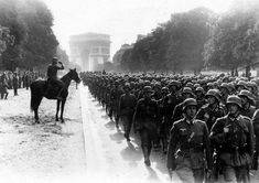 Paris Champs Elysees, Kaiser Franz, Germany Ww2, History Online, Triomphe, The Third Reich, World War One, Special Forces, Monuments