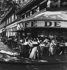 Outside the Cafe de Flore, Saint-Germain-des-Prés, Paris, 1952 // Robert Capa Vintage Paris, Old Paris, Vintage Cafe, Magnum Photos, Saint Germain, Vintage Photographs, Vintage Photos, Street Photography, Nature Photography