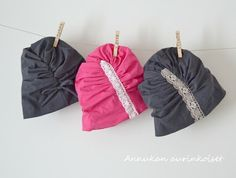 Annukan aurinkoiset: Ruttupipot Slouch Beanie, Sewing Clothes, Handicraft, Baby Car Seats, Bean Bag Chair, Sewing Patterns, Textiles, How To Wear, Crafts