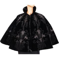 This is an absolutely gorgeous Victorian capelet or mantelet, a type of short cape, beautifully decorated with silk insetting and jet beading. Modern Victorian, Victorian Fashion, Vintage Fashion, Victorian Outfits, Sandro, Types Of Shorts, Antique Clothing, Historical Costume, Dark Fashion