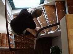 Laminat auf Treppen verlegen, ausmessen mit Winkelschablone, Foto: BHK Holz- und Kunststoff KG H. Kottmann