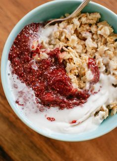 A remarkably healthy breakfast that tastes like dessert! cookieandkate.com