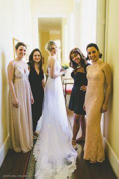 Vestido de Pronovias escolhido por Nathalia. O casamento de Nathalia e Thiago foi publicado no Euamocasamento.com, e as fotos são de Ana Telma Fotografia. #euamocasamento #NoivasRio #Casabemcomvocê