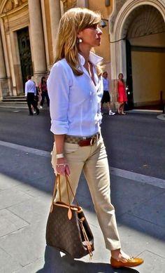 So classy une belle chemise blanche rentrée sur un chino beige et beaux…                                                                                                                                                                                 More