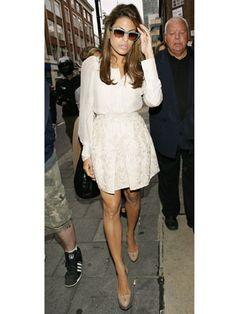 Eva Mendes always looks effortlessly gorgeous – especially on her days off! Check out her coolest on-the-street looks. Only Fashion, Love Fashion, Love Her Style, Style Me, Eva Mendes, Timeless Fashion, Pretty Outfits, Celebrity Style, Celebs