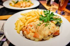 Sajtos pármai csirkemell - Recept | Femina Parma, Mashed Potatoes, Chicken Recipes, Turkey, Mint, Ethnic Recipes, Foods, Recipes, Whipped Potatoes