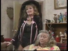 Keeping Up Appearances / Outtakes Part 2 British Tv Comedies, British Comedy, Funny Sitcoms, Are You Being Served, Bbc Tv Shows, Keeping Up Appearances, Retro Sweets, Movies Playing, Comedy Tv